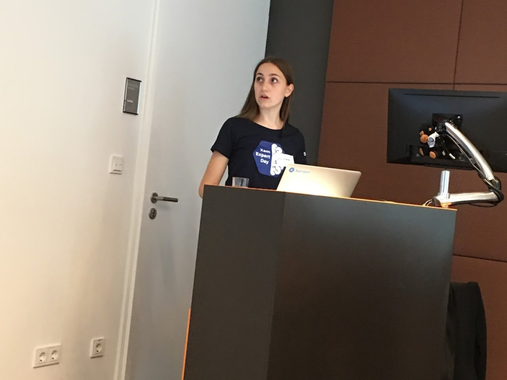 Picture of Stefanija who's presenting a great talk!
